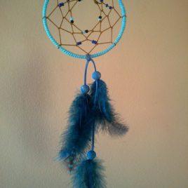 atrapasueños azul con abalorios