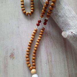 mala-tibetano- madera-jaspe-rojo